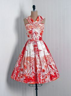Vintage Hawaiian print bridesmaids dresses?!