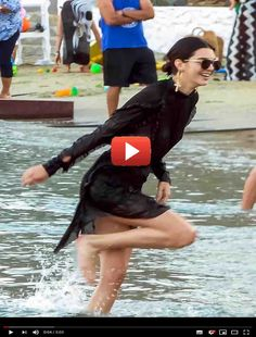 Kendall Jenner Wet Braless See Through at Beach Party in Mykonos Robert Kardashian, Khloe Kardashian, The Simple Life, Celebrity Pictures, Girl Pictures, Funny Pictures, Kardashian Kollection, Mykonos, Kendall Jenner