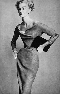 Sunny Harnett 172 Foto 3.003 Visualizzazioni Vedi tutti gli album Foto March 1955