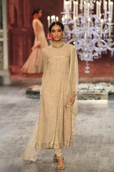 Tarun Tahiliani   India Couture Week 2016 #PM #indiancouture #taruntahilianICW2016