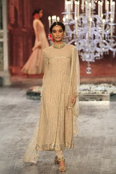 By designer Tarun Tahiliani. Bridelan - Personal shopper & style consultants for Indian/NRI weddings, website www.bridelan.com #TarunTahiliani #IndiaCoutureWeek2016 #weddinglehenga #Bridelan #BridelanIndia.