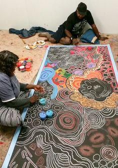 Damien Marks Tjangala & Yilpi Marks Atira Our Studio Aboriginal Painting, Aboriginal Artists, Dot Painting, Encaustic Painting, Indigenous Australian Art, Indigenous Art, Aboriginal Culture, Art Premier, Arte Popular
