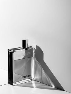 prada perfume fragrance still life product photography by marco girado 450 des - Prada Perfume - Ideas of Prada Perfume - prada perfume fragrance still life product photography by marco girado 450 designer and niche perfumes/colognes to choose from! Makeup Photography, Beauty Photography, Amazing Photography, Fashion Photography, Photography Jobs, Photography Classes, Photography Accessories, Photography Backdrops, Product Photography Lighting