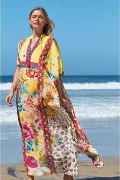 Long Kaftan, Wide-brim Hat, Resort Style, The Chic, Warm Weather, Wild Flowers, Fitness Models, Cover Up, Silk