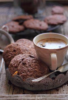 Biscuiti americani si ceasca cu cafea