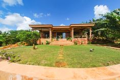 Villa L'Ankarena  île Sainte Marie Madagascar  Ecolodge le Ravoraha