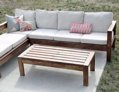 Ana White Build a Outdoor Coffee Table Free and Easy DIY Project and Furniture Plans Outdoor Couch, Outdoor Coffee Tables, Diy Coffee Table, Diy Table, Outdoor Wood Table, Outdoor Pallet, Outdoor Seating, Coffee Mugs, Outdoor Decor