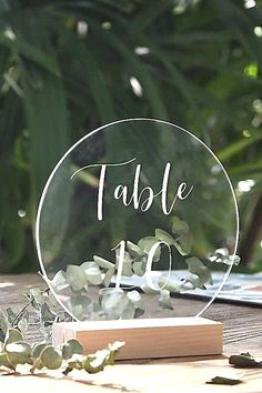 This modern and elegant Rounded Clear Acrylic Sign is the perfect idea for a glass look wedding signs. Use those blank acrylic plates to decorate your wedding dinner tables with a glamorous yat minimalist table number, bar sign, gustes book and other wedding decorations. Tish is a great fit for many DIY wedding craft project and a big budget saving decorative items that can fit to any wedding theme. Minimalist Wedding Invitations, Wedding Invitation Cards, Wedding Crafts, Diy Wedding, Centerpiece Decorations, Wedding Decorations, Clear Acrylic Sheet, Elegant Modern Wedding, Acrylic Table