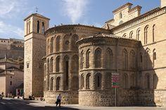 Iglesia de Santiago del Arrabal, Toledo. Vista de la cabecera triabsidiada.