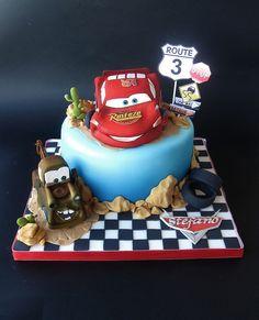 Cars cake by Sogni di Zucchero, via Flickr