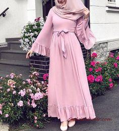 Tesettür Kombinleri Pembe Uzun Fırfırlı Kloş Etekli Elbise Krem Topuklu Aya... ,  #Aya #elbise #etekli #Fırfırlı #Kloş #kombinleri #Krem #pembe #tesettür #topuklu #uzun