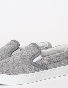 Common Projects Slip Ons | Minimal + Chic | @CO DE + / F_ORM