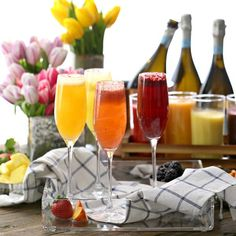Turn an ordinary brunch into a spring soiree by setting up a DIY Bellini Bar! Get the how-to: