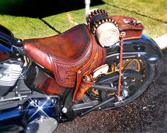 Dale Hancock Upholstery saddle motorcycle seat Utah 02 absolutely love this 💜🤗 Motorcycle Seats, Bobber Motorcycle, Motorcycle Leather, Motorcycle Style, Bobber Chopper, Cruiser Motorcycle, Moto Fest, Bike Leathers, Lowrider Bike