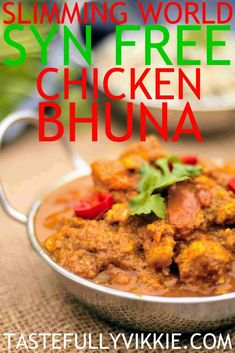 Slimming World Syn Free Chicken Bhuna Curry Fakeaway - Tastefully Vikkie astuce recette minceur girl world world recipes world snacks Slimming World Curry, Slimming World Fakeaway, Slimming World Pasta, Slimming World Dinners, Slimming World Chicken Recipes, Slimming World Plan, Slimming Eats, Slimming World Lunch Ideas, Slimming Workd