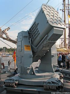Rolling Airframe Missile Launcher on fast attack craft Ozelot of the German Navy Military Gear, Military Weapons, Military Equipment, Military Aircraft, Army Vehicles, Armored Vehicles, Big Guns, Weapons Guns, Navy Ships