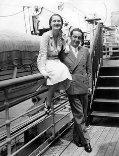 Norma Shearer and Irving Thalberg by le beau monde Hollywood Actress Photos, Old Hollywood Movies, Golden Age Of Hollywood, Hollywood Celebrities, Vintage Hollywood, Hollywood Stars, Classic Hollywood, Hollywood Couples, Hollywood Icons