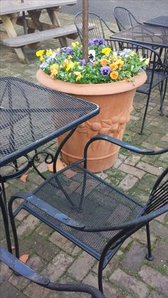 Outdoor Tables, Outdoor Decor, Hubba Hubba, Old And New, Homesteading, Bbq, Patio, Outdoor Furniture, Barbecue