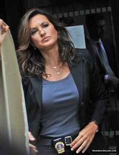 OK, if this is not the sexiest, most badass, best cop ever, I don't know who is...besides Jane Rizzoli in Rizzoli & Isles! (: