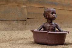 """Se ha llamado a África """"el continente olvidado de Dios"""". Pero parece es más bien el continente olvidado del hombre. """"¿Qué hacemos con las víctimas de la violencia? ¿Qué pasa con los perdedores, con los vencidos, con los desechos de la historia? ¿Podemos concebir alguna esperanza para ellos? ¿Se ha pronunciado ya la última palabra sobre su dolor y su muerte?""""    - Walter Benjamin (1892-1940)  https://estebanlopezgonzalez.com/2011/03/15/walter-benjamin-la-memoria-de-las-victimas/"""