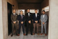 groomsmen in mismatched colored suits Groom Attire, Groom And Groomsmen, Modern Groom, Stylish Suit, Wedding Men, Wedding Accessories, Suits, Couples, Classic