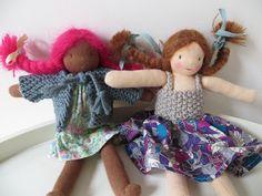 Cardigan pour poupées de poche