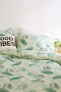 Lili Palm Duvet Cover Set | Urban Outfitters