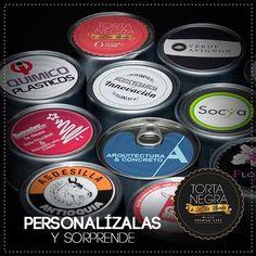 Que el regalo de tu empresa para tus clientes y proveedores sea el mejor que les den, el que más recuerden y el que más disfruten. Con mi #TortaNegra está más que garantizado llámame al (4) 266 3850 / 311 429 5636 Medellín #SoyLaTíaBlanca ¡la del mejor regalo en lata! #LaTortaNegraDeLaTíaBlanca