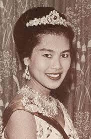 Sirikit de Tailandia es reina