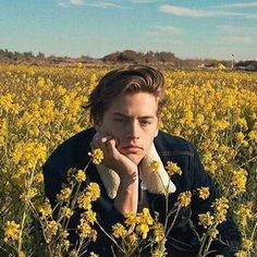 Cole Sprouse  Ingrum: @aesthetically _conor