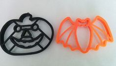 Hey, I found this really awesome Etsy listing at https://www.etsy.com/listing/200833495/bat-and-pumpkin-cookie-cutters