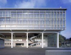Burkard Meyer Architekten - BBB Martinsberg, renovation of a former office complex to a vocational school, Baden 2012. Photos (C) Roger Frei.