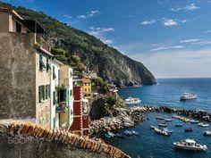Riomaggiore  Cinque Terre  Italy  Travel photo by whofmannka http://rarme.com/?F9gZi