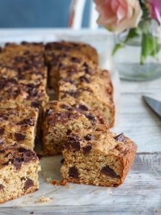 Toscakake i langpanne (med en vri) - Mat På Bordet Norwegian Cake Recipe, Fudgy Brownies, Blondies, Banana Bread, Cake Recipes, Cake Decorating, Chips, Food And Drink, Chocolate