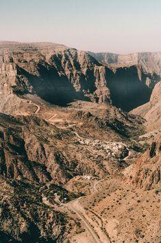 Eine Reise in den #Oman geplant? Wir haben alle #Insidertipps & #Sehenswürdigkeiten für euren Oman #Urlaub gesammelt. Alle Infos auf www.lilies-diary.com Wanderlust, Bergen, Lilies, Grand Canyon, Nature, Travel, Hiking Trails, Continents, Traveling With Children