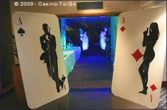 Una entrada dramática para una fiesta 007 / A dramatic entrance for a 007 party
