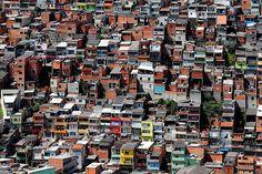 A Vila São Pedro é a 3ª maior comunidade do Estado de São Paulo e a maior do ABC, de acordo com o IBGE. Paraisópolis e Heliópolis, na Capital, ocupam a 1ª e 2ª posições, respectivamente.