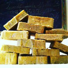sapone artigianle tipo aleppo all'olio di BottegaSantaTeresa