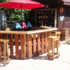 Pallet bar by Pallet girl