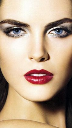 Even in the dreariest of places, in parts filled with death and famine, this world still has beauty and wonders in abundance. Beautiful Lips, Beautiful Moments, Beauty Makeup, Hair Makeup, Hair Beauty, Perfect Red Lips, Eye Close Up, Hilary Rhoda, Provocateur