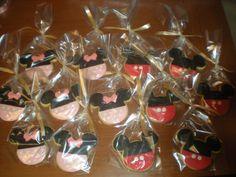 Galletas de Mickey y Minnie para los amiguitos de la cumpleañera!!
