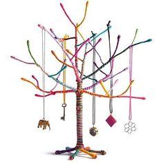O retuerce un árbol de cobre y envuélvelo con hilo. | 32 Proyectos DIY que son completamente impresionantes