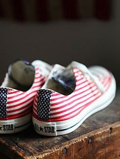 Free People Americana Converse Chucks red white and blue Converse All Star, Converse Shoes, Converse Fashion, White Converse, Footwear Shoes, Women's Shoes, Cute Shoes, Me Too Shoes, Paris Mode