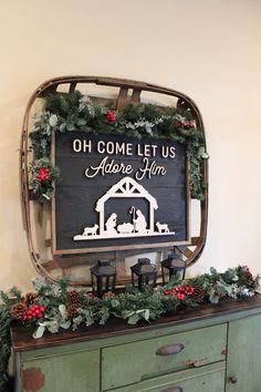 Simple Rustic Christmas Console Table Christmas Tablescapes, Christmas Mantels, Rustic Christmas, Simple Christmas, All Things Christmas, Christmas Decorations, Table Decorations, Christmas Ideas, Tobacco Basket Decor
