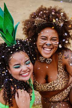 Maquiagem para Carnaval: Opções para Fazer em Casa em 2020 Make Carnaval, Carnival Costumes, Diy Photo, Cosplay, Poses, Edc, Carne, How To Make, Beauty