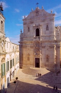 Basilica San Martino, Martina Franca, Puglia, Italy - 2020 World Travel Populler Travel Country Places In Italy, Oh The Places You'll Go, Italy Vacation, Italy Travel, Southern Italy, Visit Italy, Trieste, Kirchen, Amalfi
