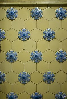 Tile Pattern :: Blue & Yellow