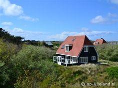 """Vakantiehuis """"Air and Earth"""" ligt in de duinen op Vlieland. www.AirAndEarth.op-vlieland.nl"""