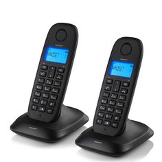 Si no te gusta perder el tiempo mientras hablas por teléfono, el teléfono fijo inalámbrico TopCom TE5732 (pack de 2) te da la movilidad que necesitas para comunicarte con los tuyos sin necesidad de estar quieto. Incluye los cables necesarios para las bases y las pilas para los teléfonos inalámbricos (2 x Ni-MH AAA 1,2 V 300 mAh cada teléfono).