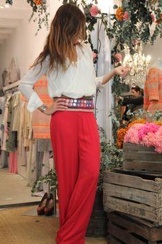 My kind of boho office outfit. Love the belt! Via Mytenida.